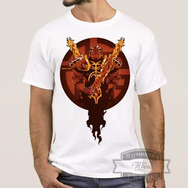 Мужчина в футболке с Ember Spirit