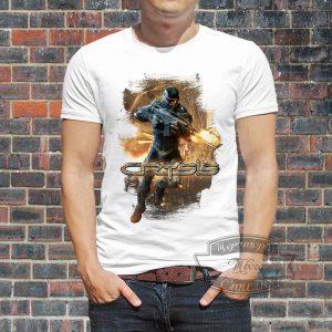Мужчина в футболке Кризис