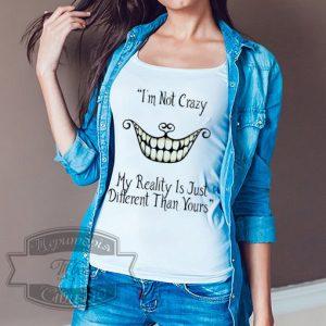 девочка с футболкой