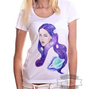 девушка в футболке лана дель рей