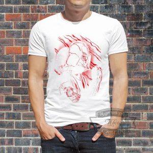 Мужик в футболке с дартом