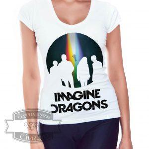 женщина в футболке imagine dragons