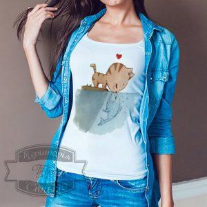 женщина в рубашке