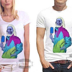 пара в футболках с королем ночи