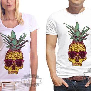Мужчина и женщина в футболке с ананасом