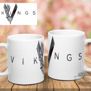 кружка белая с Vikings на столе