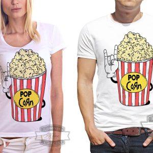Мужчина и женщина в футболках с попкорном