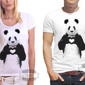 женщина и мужчина в футболке с пандой