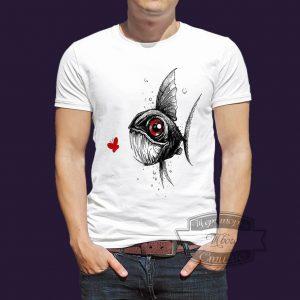 футболка с пираньей и бабочкой