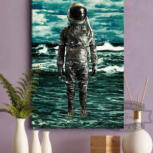 постер с космонавтом