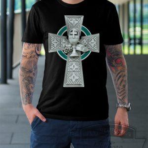 Футболка черная с кельтским крестом